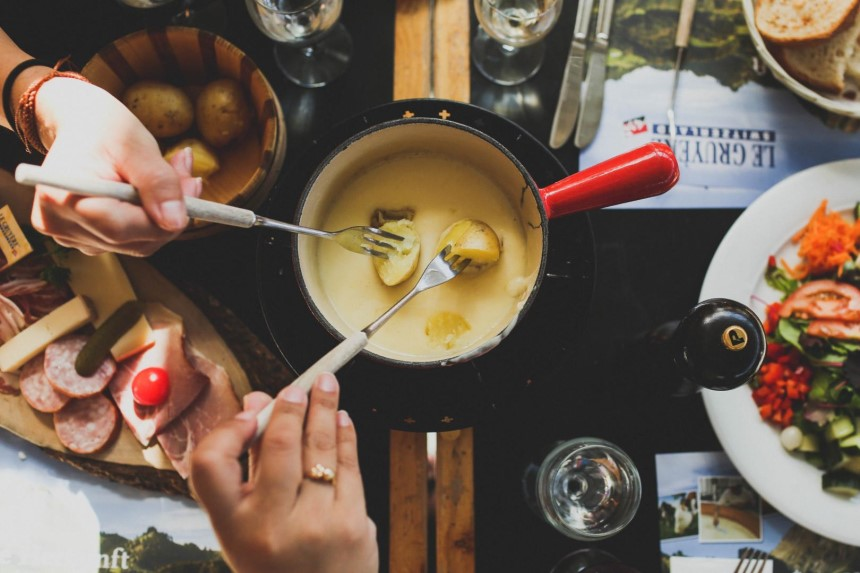 9 Käsefondue-Töpfe Test - Abendessen Wie In Der Schweiz